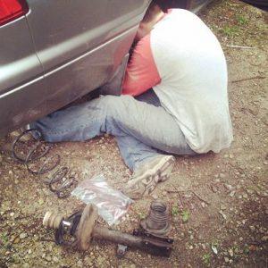 fixing_car_struts_Mark_Pruett_toyota_camry